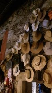San Xulian albergue hats